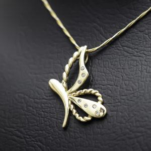 Halskæde med sommerfugl vedhæng i 14 karat guld
